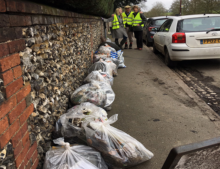 Lady Verulam Litter Picking in St. Michaels, St. Albans