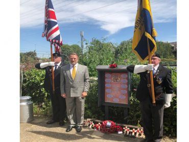 Wreath Laying at the Memorial to the Railwaymen of St. Albans