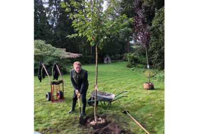 Lord-Lieutenant Starts the QGC Planting Season